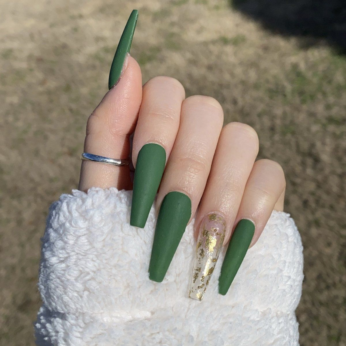 Included Press On Nails Nail Glue Cuticle Pusher Nail File To Find Your Size Refer To The Sizing C In 2020 Gold Acrylic Nails Green Acrylic Nails Long Acrylic Nails