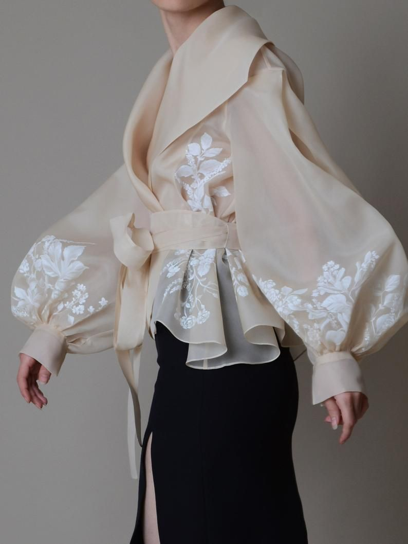 Hand painted organza jacket ; Silk organza blouse ; Elegant bolero - Colors available ; Veste en Or