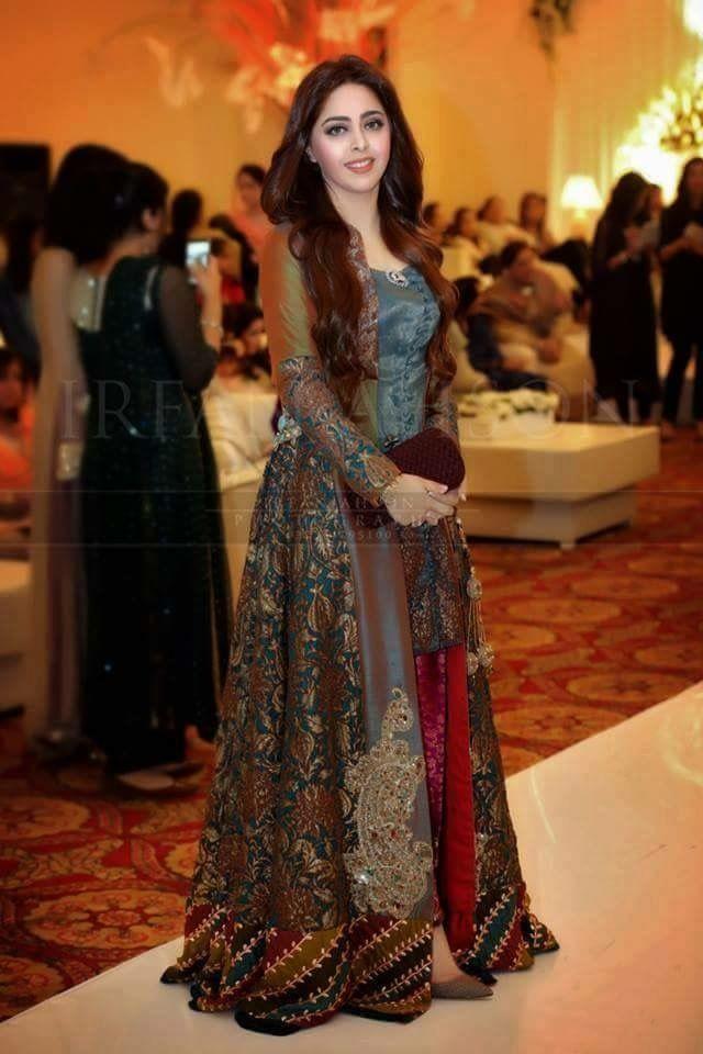 Pin von Sunsheen Kaur auf Classy party wear | Pinterest