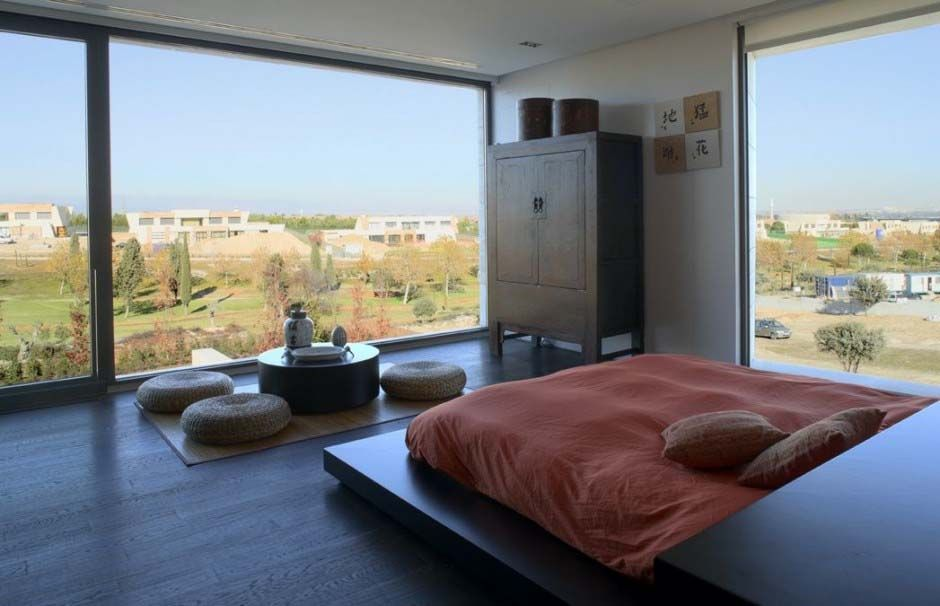 Japanese Inspired Bedroom With Floor To Ceiling Windows. Part 27
