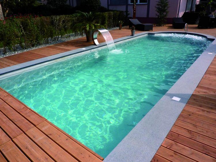 poolumrandung holz wasserspiel schwimmbecken rechteckig. Black Bedroom Furniture Sets. Home Design Ideas