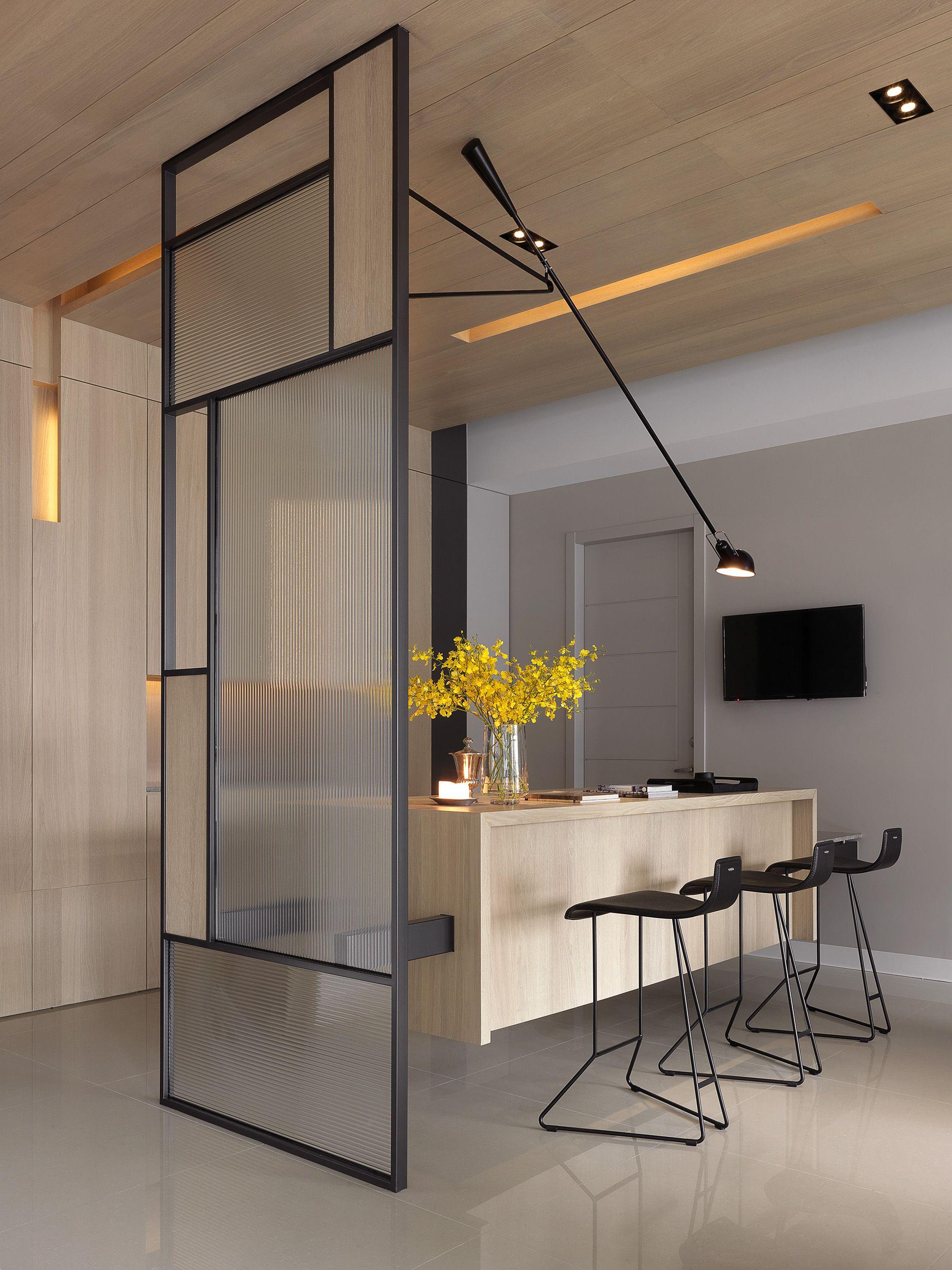 Separador de espacios con vidrio y madera separadores y biombos en 2018 pinterest - Biombos y separadores de espacios ...