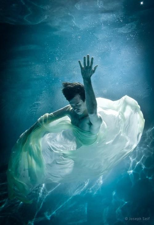 Imagenes bajo el agua buscar con google fotos bajo el for Imagenes de hoteles bajo el agua