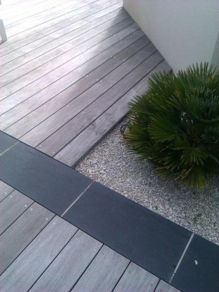Nous proposons des dallages de pierre naturelle et des terrasses