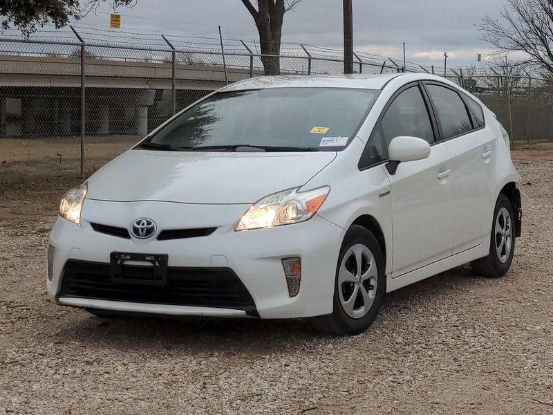 2015 Toyota Prius 6400 In 2021 Toyota Prius 2015 Toyota Prius Toyota Corolla Hatchback