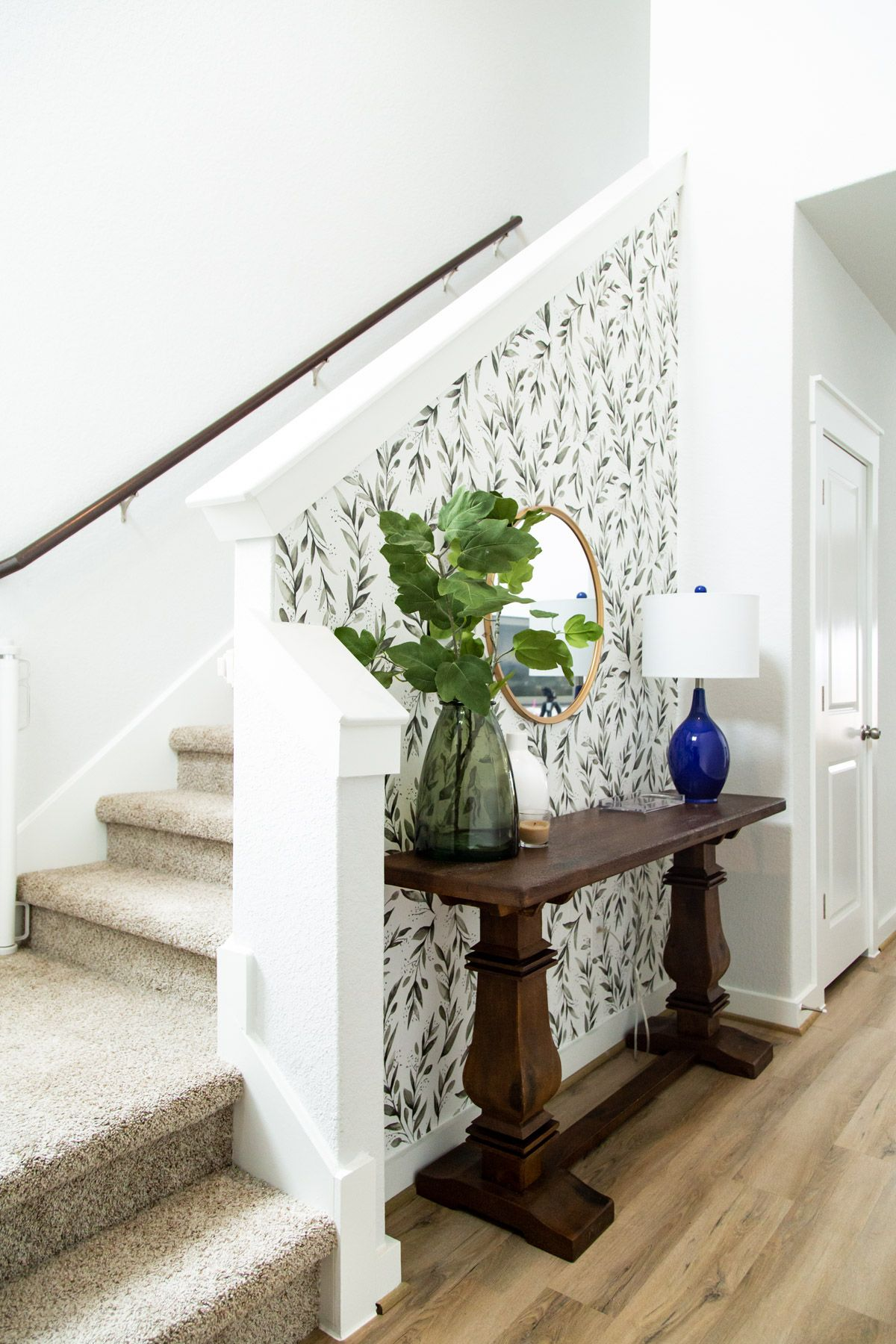 This Gorgeous Diy Entryway Makeover Was Done Using Only Items Found At Homedepot Com Decor Tons Of Entryway Decor Small Small Entry Decor Stair Landing Decor