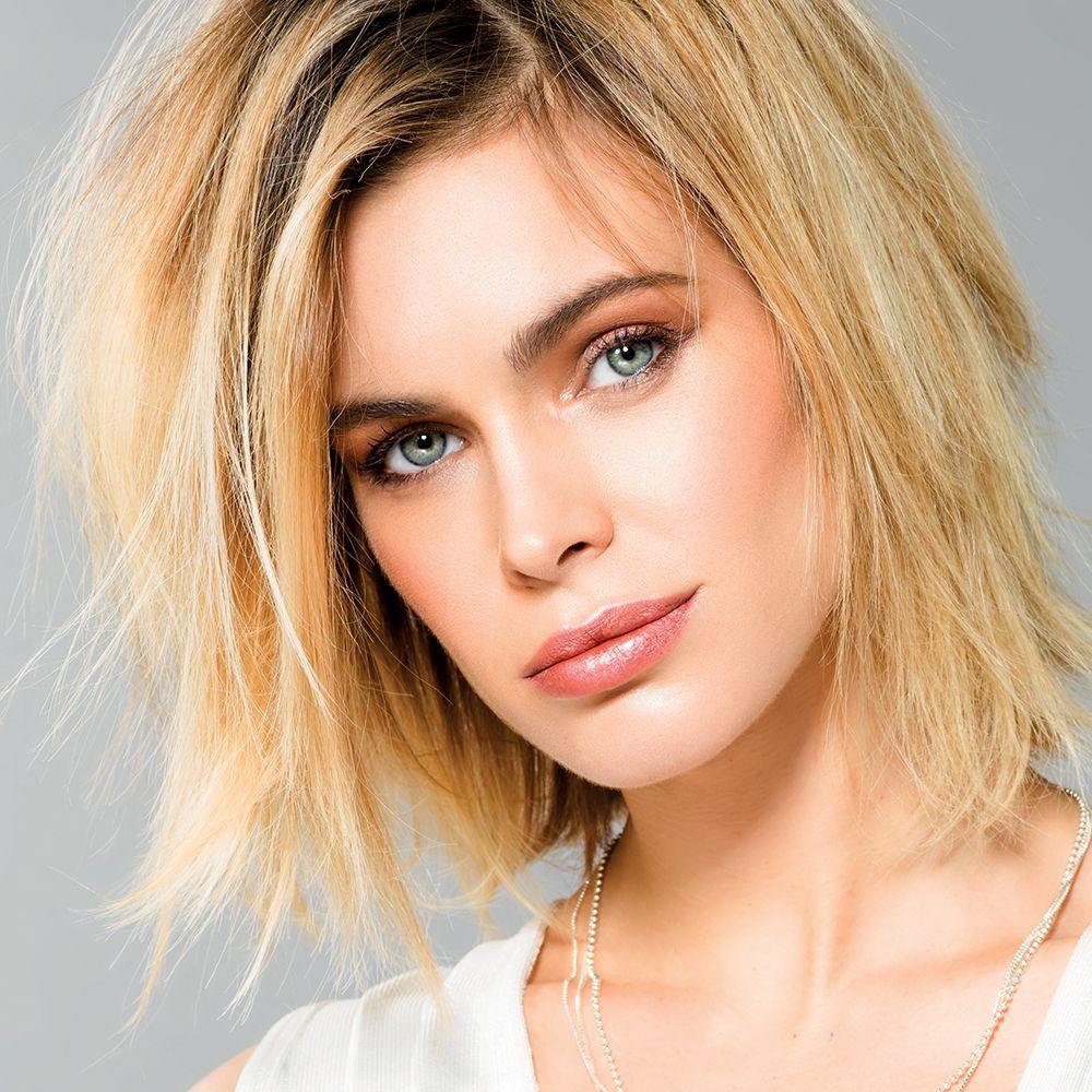 Blonde Aux Cheveux Courts Et Lisses Pascal Coste Coiffure Coiffures Feminines Coiffure Ete