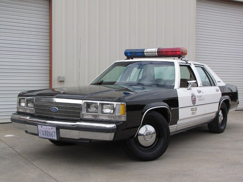 1990 Ford Ltd Crown Victoria With Images Ford Police Old