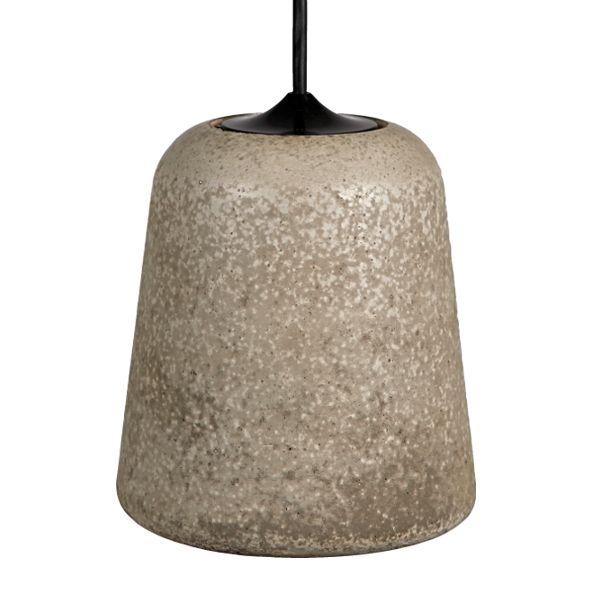 Material valaisin, vaalea betoni http://www.finnishdesignshop.fi/Noergaard_and_Kechayas_-d-567.html