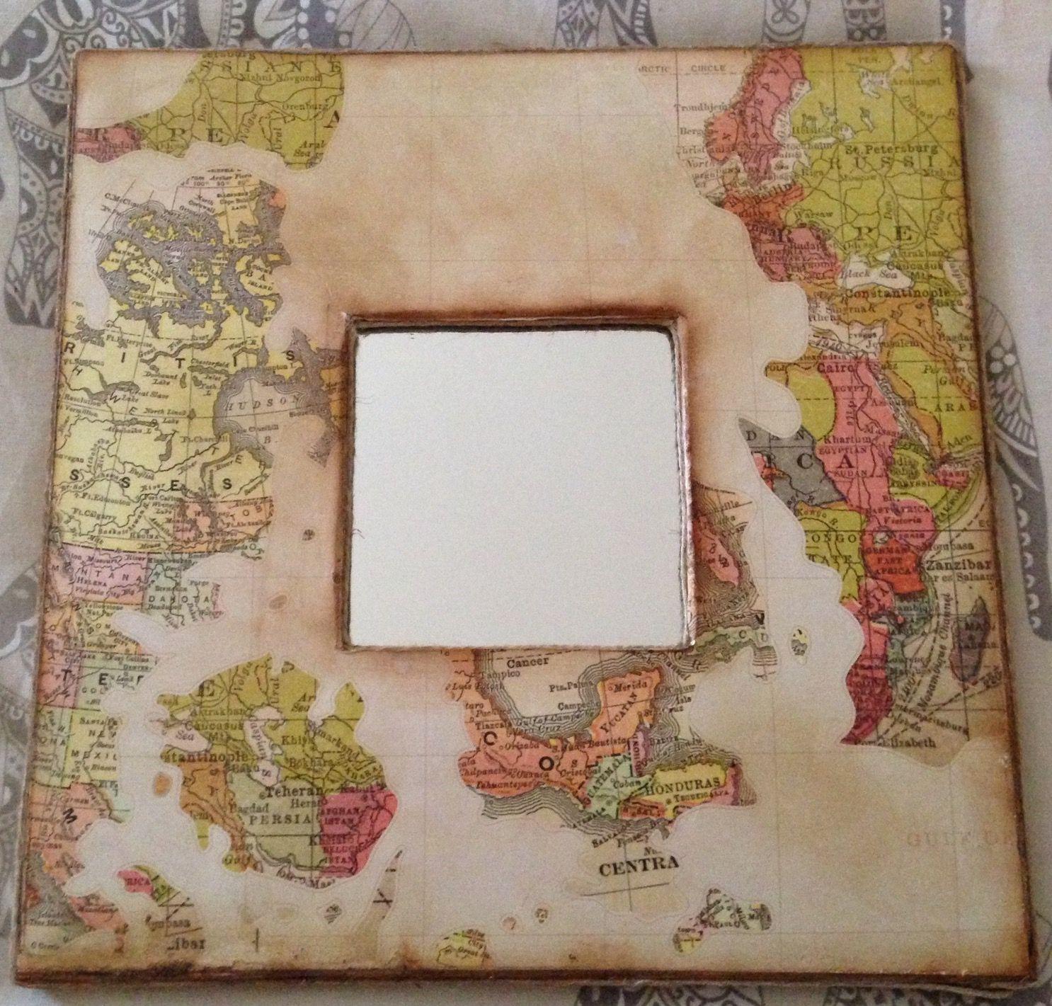 Espejo con marco de madera decorado con papel de scrap con motivos ...
