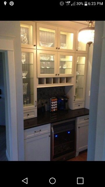 Butlers pantry in the Kensington Park Home by Frank Betz