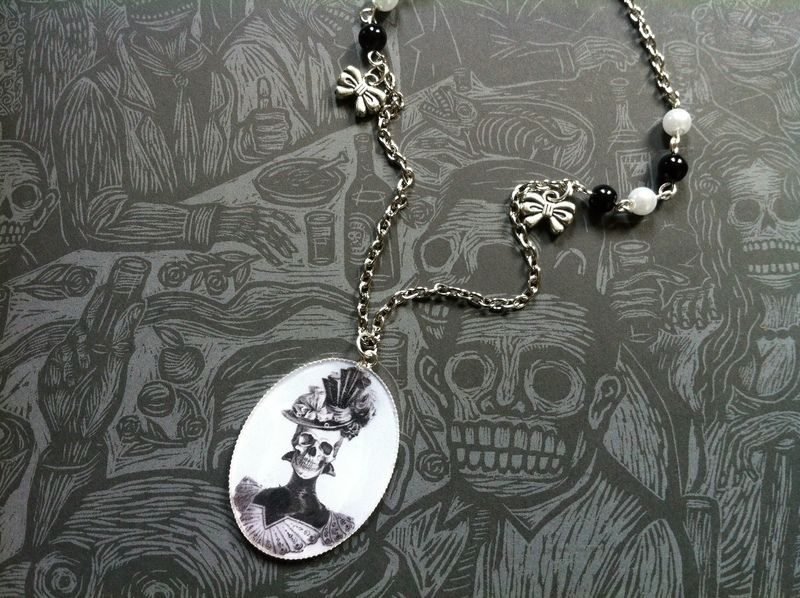 Necklace DEAD BEAUTY