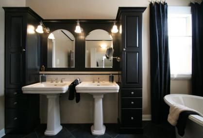 Double Pedestal Sink Bath With Tall Side Cabinets