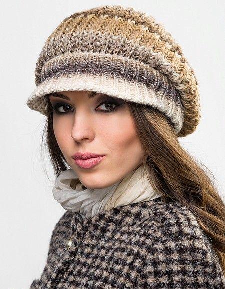 Вязаные кепки (44 фото): модели для женщин и девочек с козырьком ...
