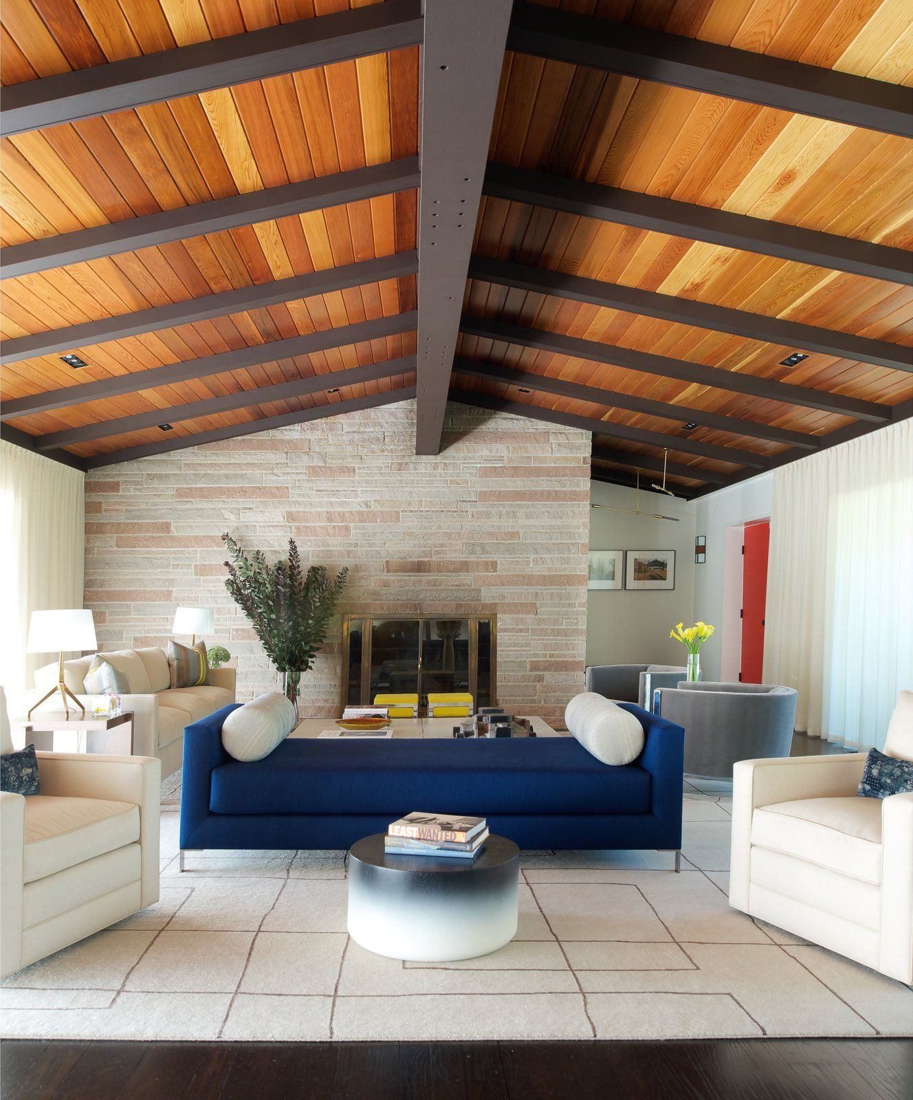 Midcentury Living Room Makeover With Cedar Wood Accent Ceiling Mid Century Modern Interiors House Design Mid Century Modern House