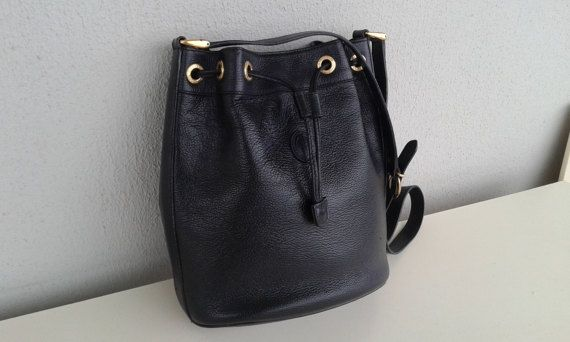 896e93a2126a Reserved for Sora ! Gucci vintage black leather bucket  drawstring ...