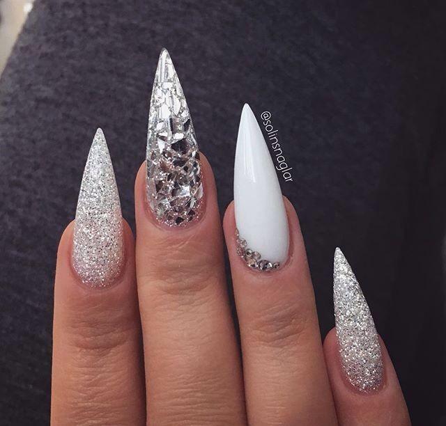 White And Glitter Stiletto Nails Com Imagens Unhas Stiletto