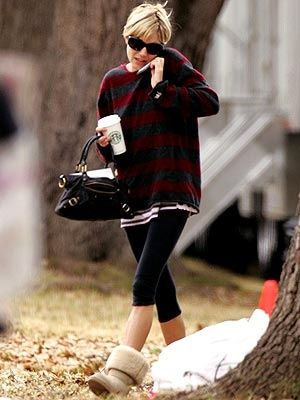 84e0a1d3060 Baggy Long Sleeve, Leggings and Ugg-ish Type Boots (not rolled down ...