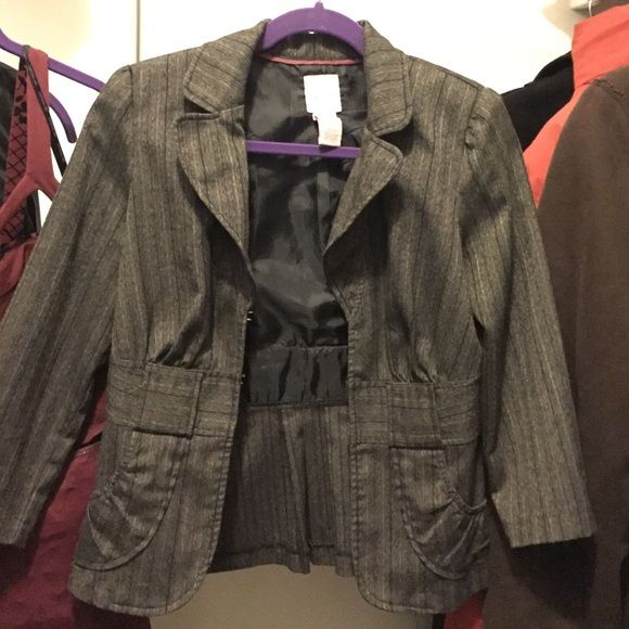 Candie's blazer In great condition blazer . Medium size . No stains . Smoke free house . It's a pretty blazer and a nice color . Candie's Jackets & Coats Blazers