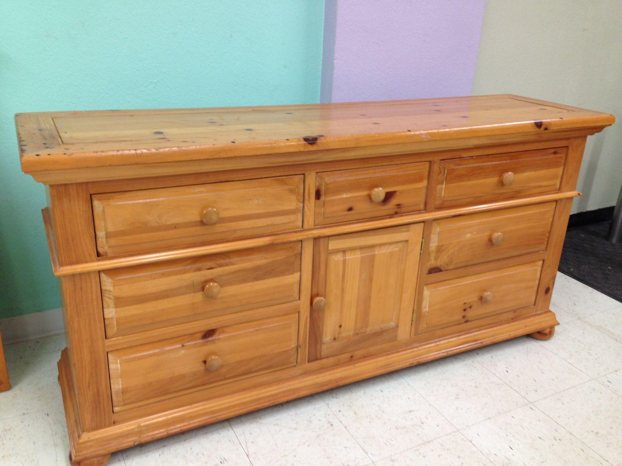 Broyhill Fine Pine 9Drawer Dresser 9 drawer dresser