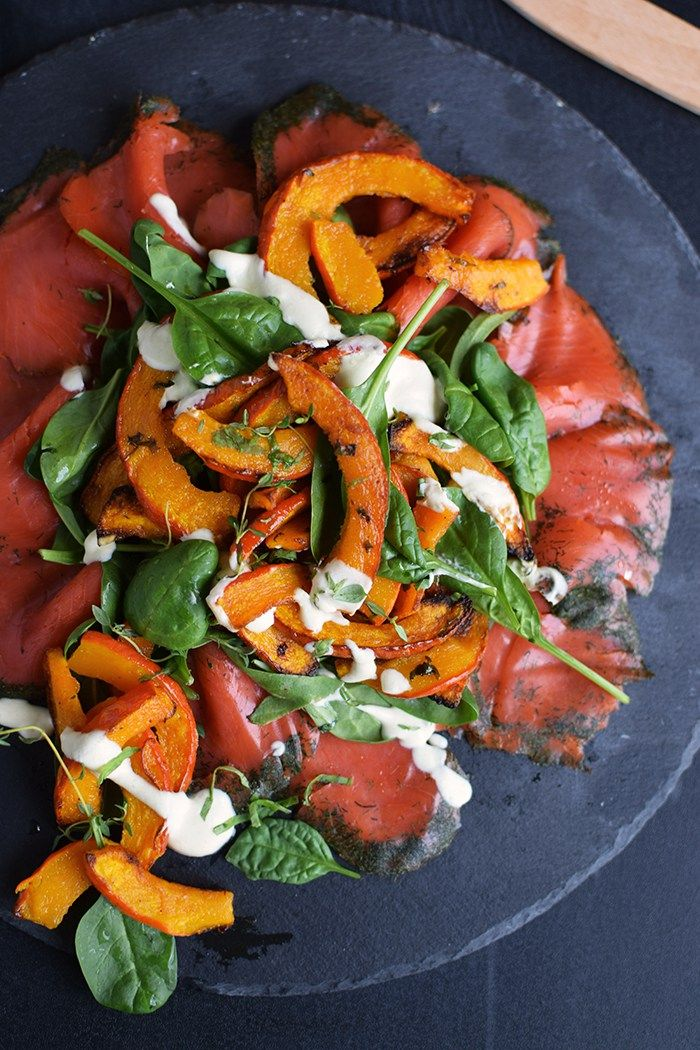 Salat spinat lachs