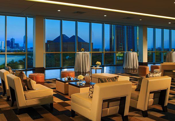 Luxury Dallas Hotel Sky Lobby Dallas Hotels Hotel Hotels Room