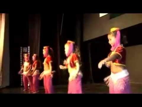 Jeannie-Dança do Ventre Infantil