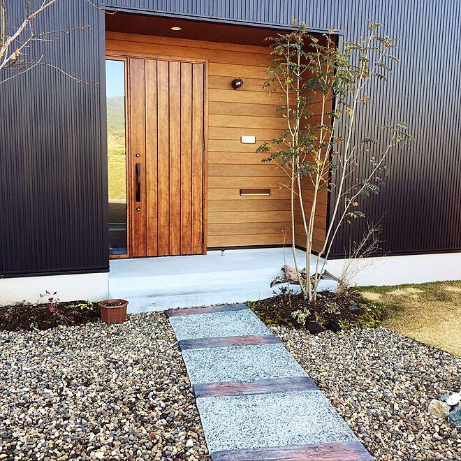 ボード 玄関アプローチ デザイン のピン