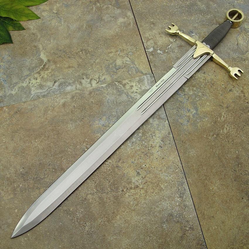 GALLERY OF PAST SWORDS