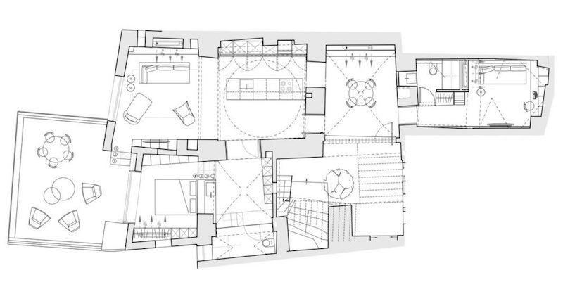 Meubles et éclairage design dans une maison-caverne moderne à Tel Aviv - plan architecturale de maison