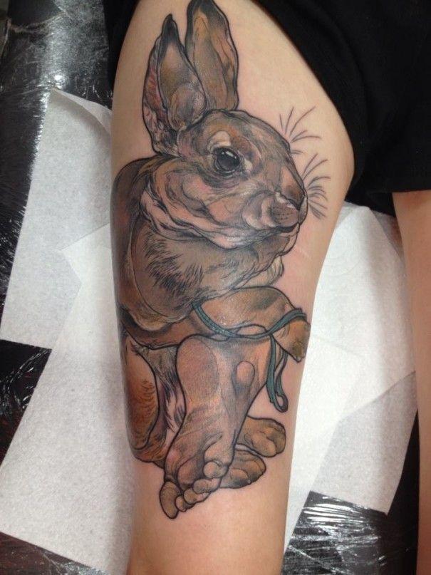 tatouage r aliste d 39 un lapin sur la cuisse tatouage animaux. Black Bedroom Furniture Sets. Home Design Ideas