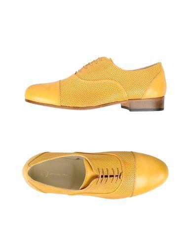 6cc702735139 Home    yoox n blomingdales    LEONARDO PRINCIPI FOOTWEAR Lace-up shoes  Women. no appliqués solid colour round toeline leather sole square heel.  Size  4.