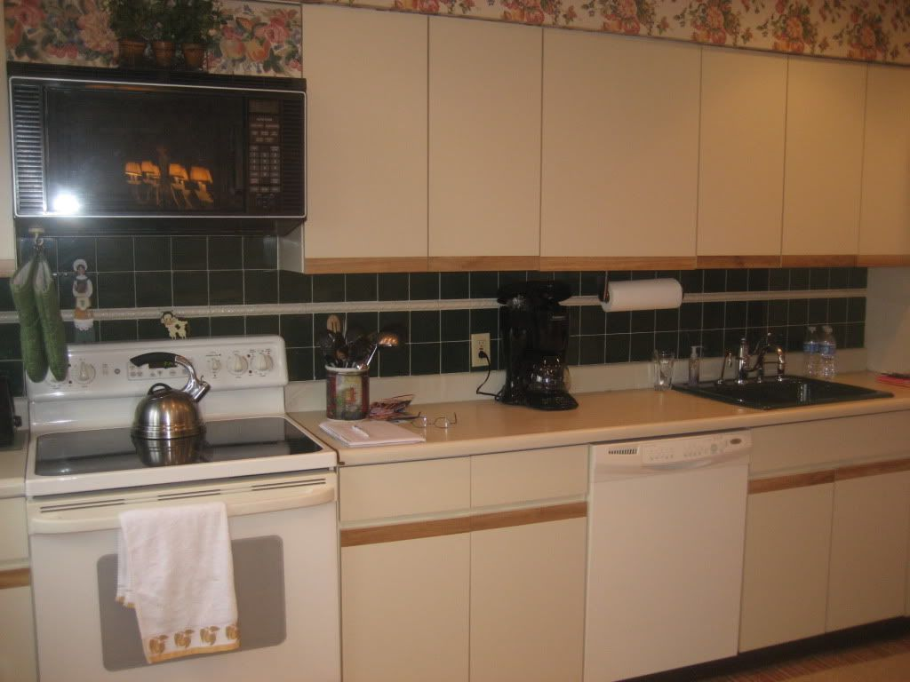 Superior How To Update This 80u0027s Kitchen On A Budget?   Kitchens Forum