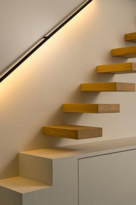 Éclairer un escalier avec des LED : 5 idées faciles et ...