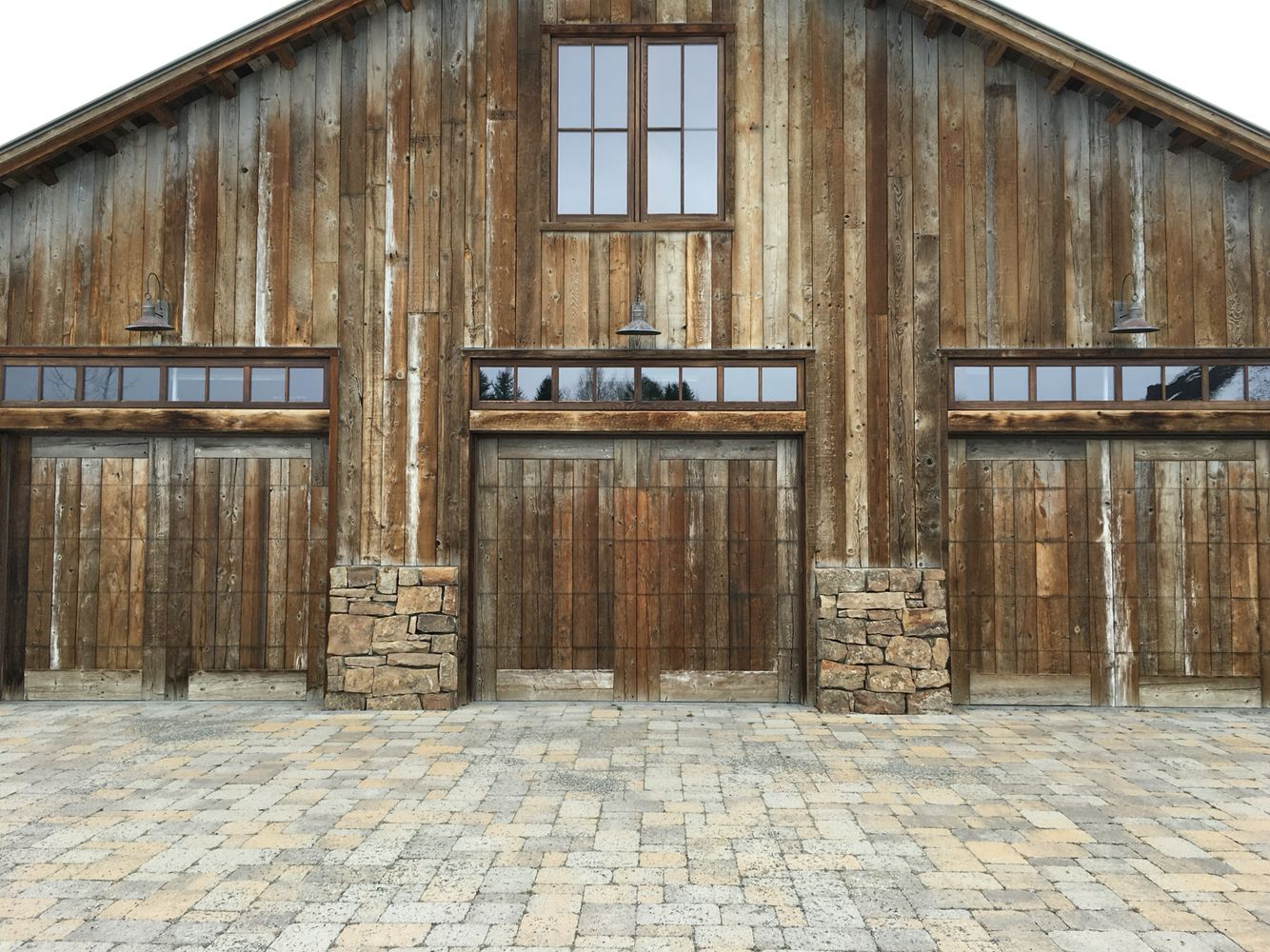 10 Ft Garage Door With Carriage Double Garage Door Style Home Interiors Garage Door Design Garage Doors Wooden Garage Doors