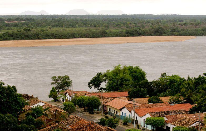 Carolina é a porta de entrada do Parque Nacional da Chapada das Mesas, no Maranhão. A cidadezinha, de construção colonial, fica à margem direita do Rio Tocantins. A bicicleta é o principal meio de transporte dos moradores