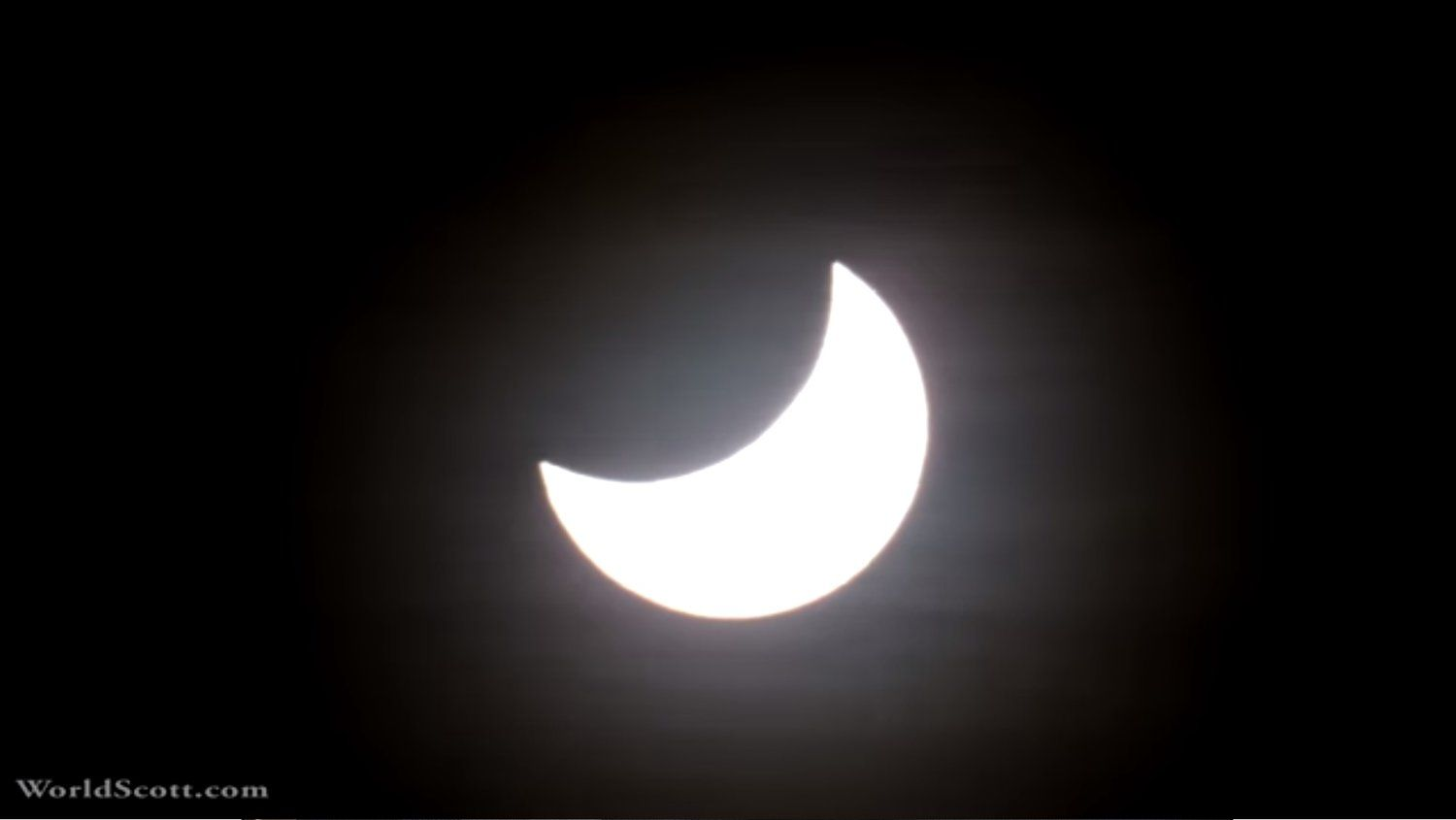 Watch A Solar Eclipse In 4K From The Comfort Of Your Own Home — GeekTyrant