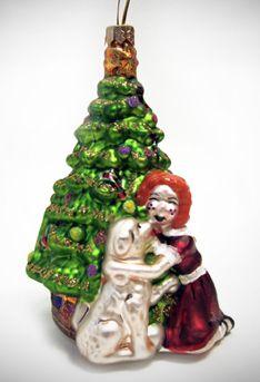 Annie The Musical  Souvenirs  Annie Christmas Ornament 40