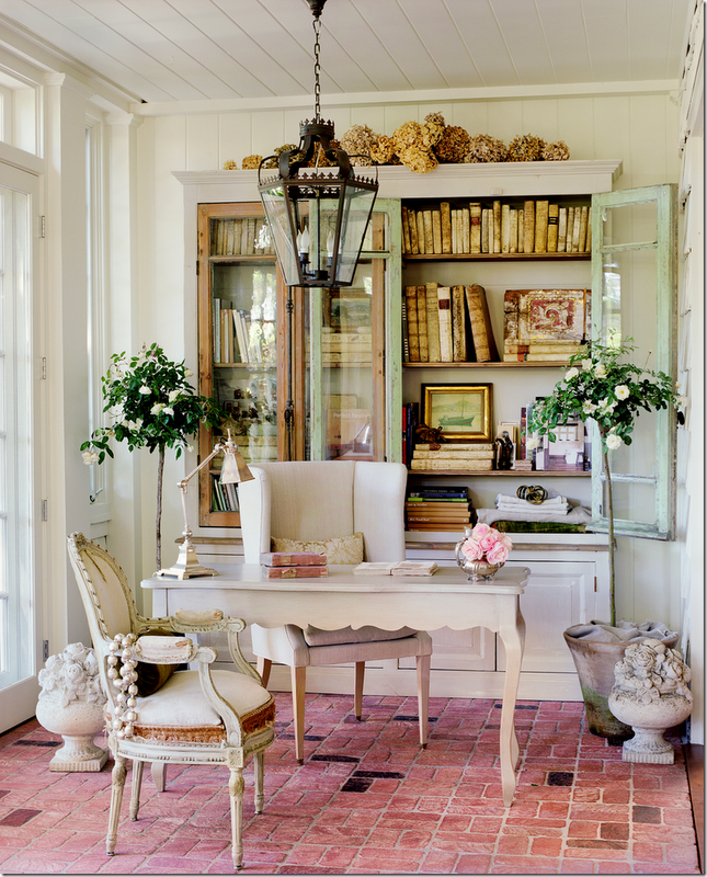 High-up Hydrangeas from the home of Brooke Giannetti, (Velvet & Linen) (Patina Style)