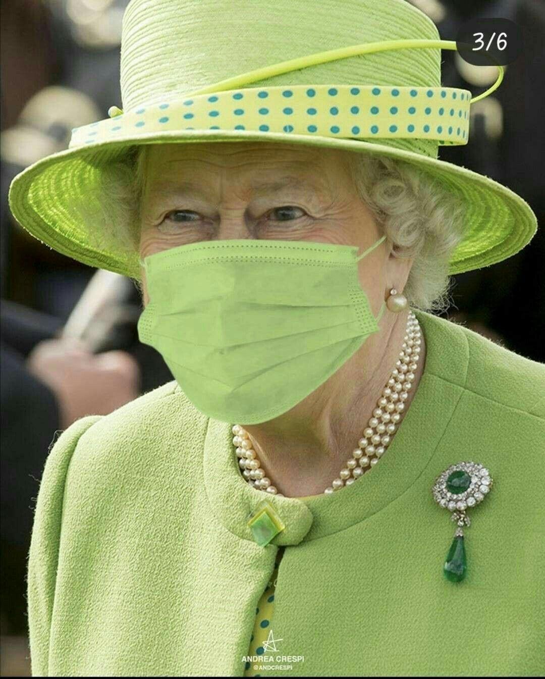 Pin By Marko Reinvald On Queen In 2021 Her Majesty The Queen Queen Elizabeth Queen Of England [ 1345 x 1080 Pixel ]