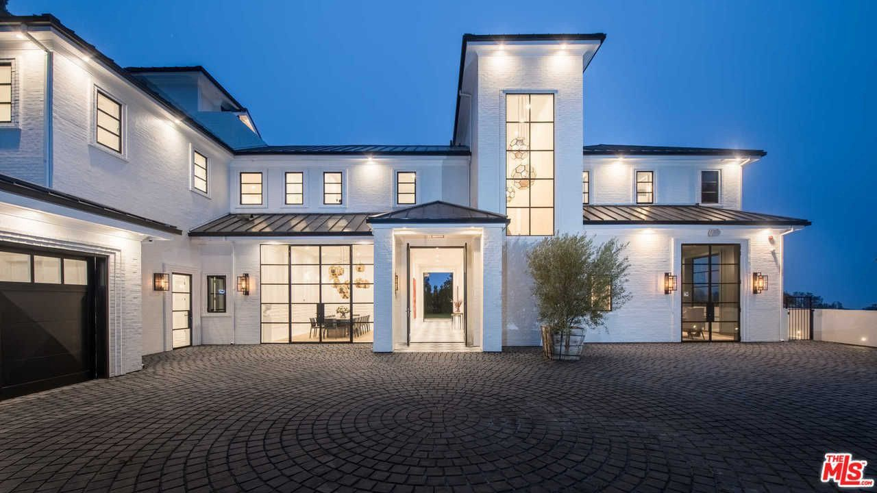 See Inside Lebron James New 23 Million Los Angeles Home House