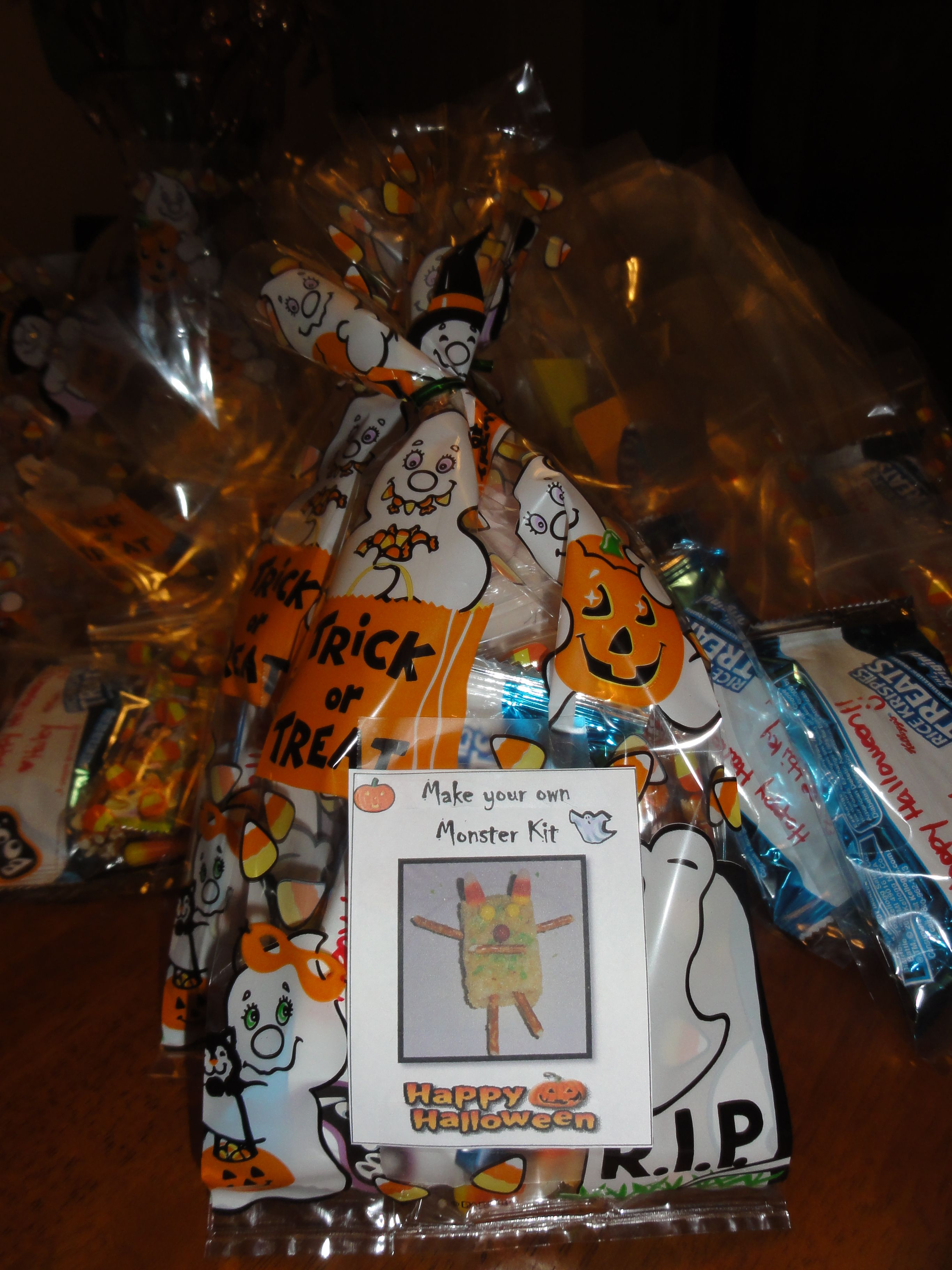 Need a Halloween treat bag Idea?? Thought of this while