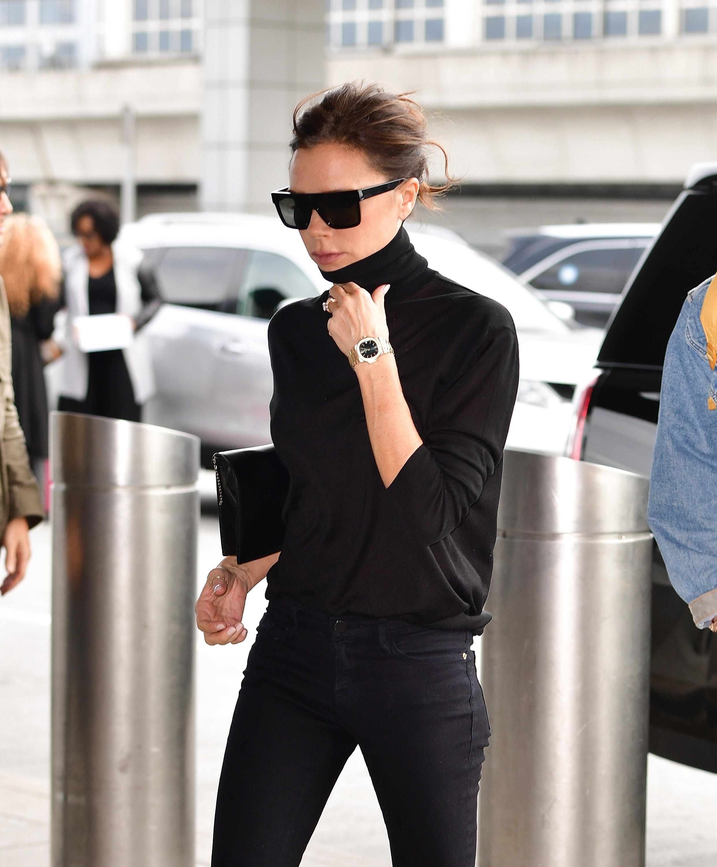 367dca1e360c9 13 Style Lessons We Learned from Victoria Beckham