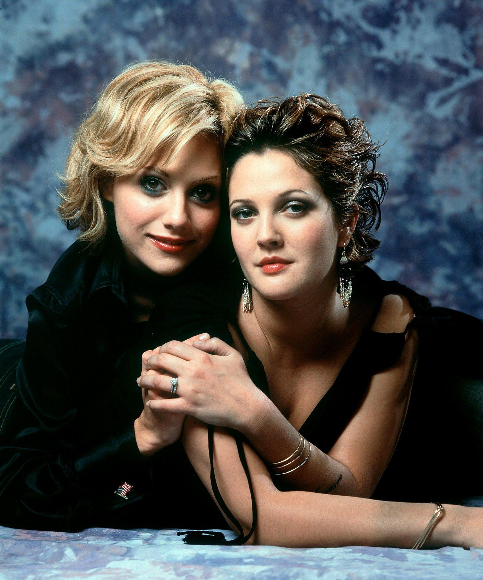 {9 Pics} Drew Barrymore and Brittany Murphy 'Riding in