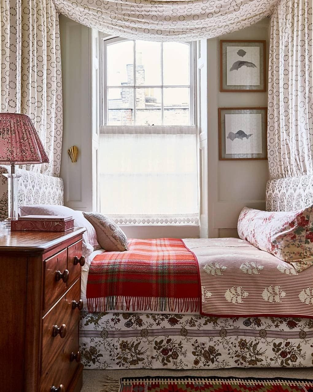 He Who Loves An Old House Uploaded By Cyndi Home Bedroom House Interior Bedroom Design