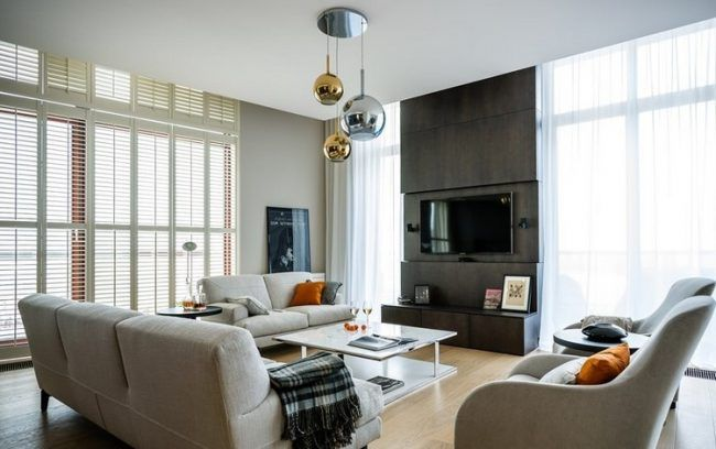 fernseher-wand-montieren-wohnzimmer-anthrazitgraue-wandpaneele, Mobel ideea