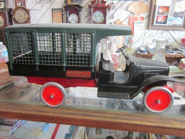 Vintage Buddy L  Screen Railway Express Line Truck