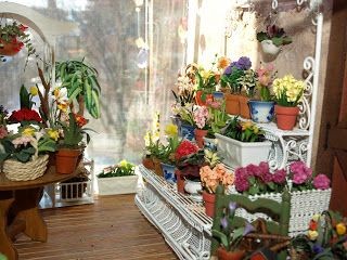 Itty Bitty Adventures: Miniature Monday: Flower Shop In Progress
