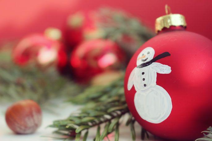 weihnachtskugeln bemalen diy geschenke pinterest weihnachtskugeln basteln weihnachten. Black Bedroom Furniture Sets. Home Design Ideas