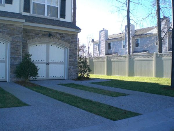 Hercules Fence Of Raleigh Nc Raleigh Nc 27617 919 571 3252 Vinyl Privacy Fence Vinyl Fence Fencing Material